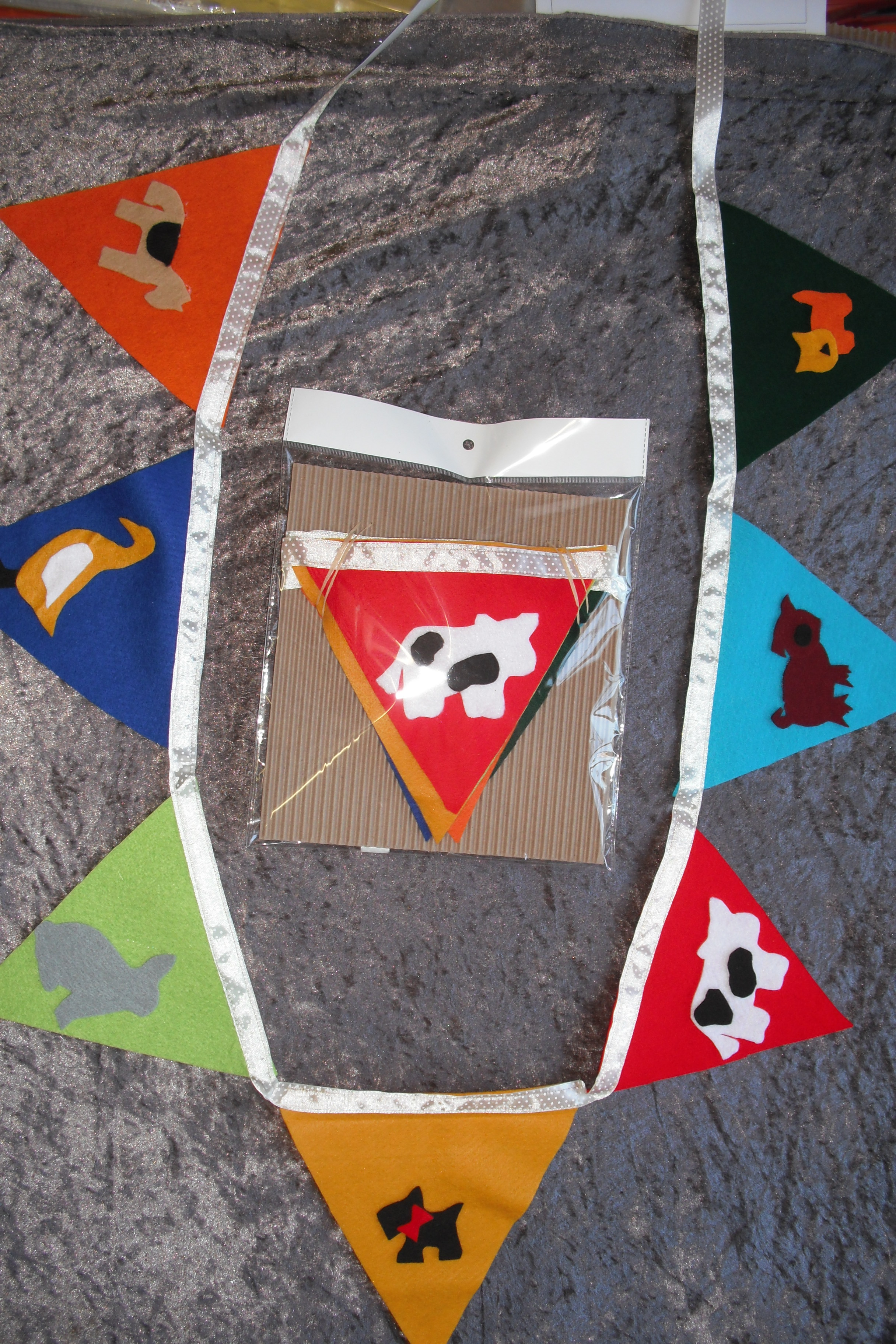 Felt Bunting Flags - Farm animals (2m)
